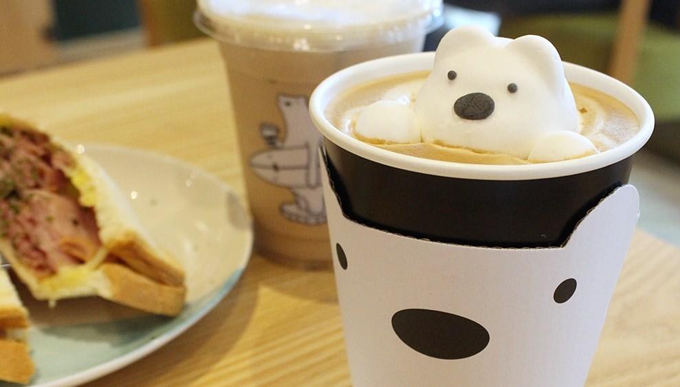 超可愛東區咖啡「POLAR CAFE」北極熊咖啡店搬到民生社區囉,還有咖哩飯可以吃!