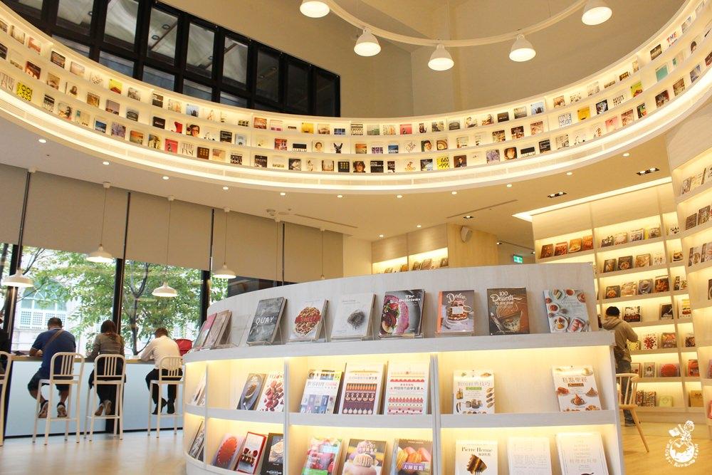 益品書屋台中館-王品集團戴勝益開的不限時書店,還有咖啡、茶飲喝到飽