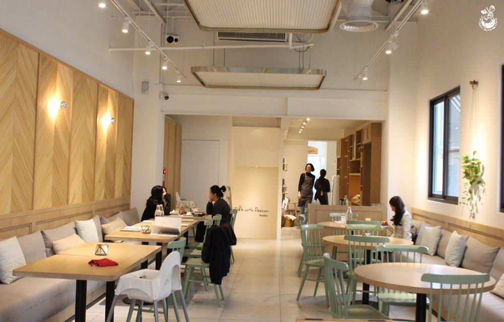 秋紅谷咖啡店