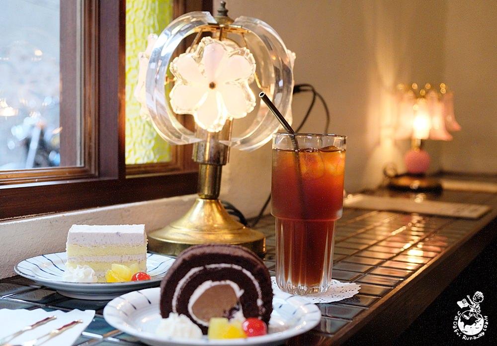 高雄美食︳萬吧One Bar-重返昭和時期喝咖啡吃甜點,享受復古有味的下午茶時光!