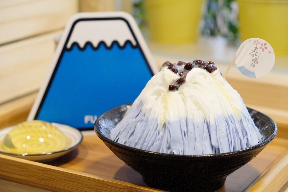 台中冰店推薦︳春雪冰の屋-最美的紅豆牛奶雪花冰,富士山控必吃!