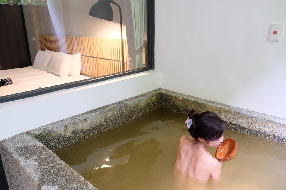 花蓮瑞穗溫泉民宿︳山下的厝溫泉民宿-房間就能享受黃金湯,入夜還能泡富有禪意的日式庭園溫泉