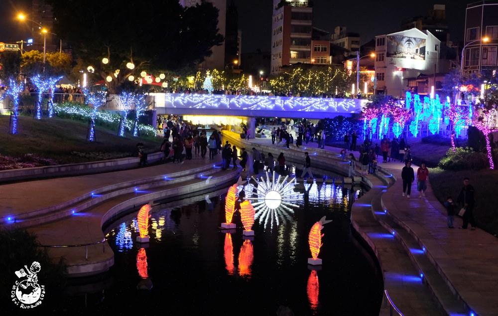 台中柳川耶誕樹
