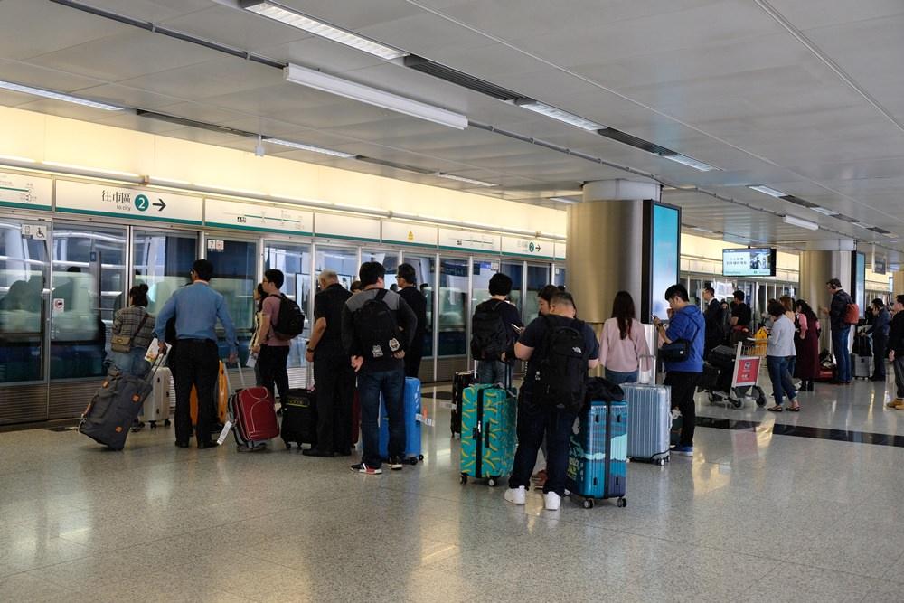 香港機場快線24分鐘直達香港市區:KKday/Klook香港機場快線票價便宜30%,省錢又免排隊!