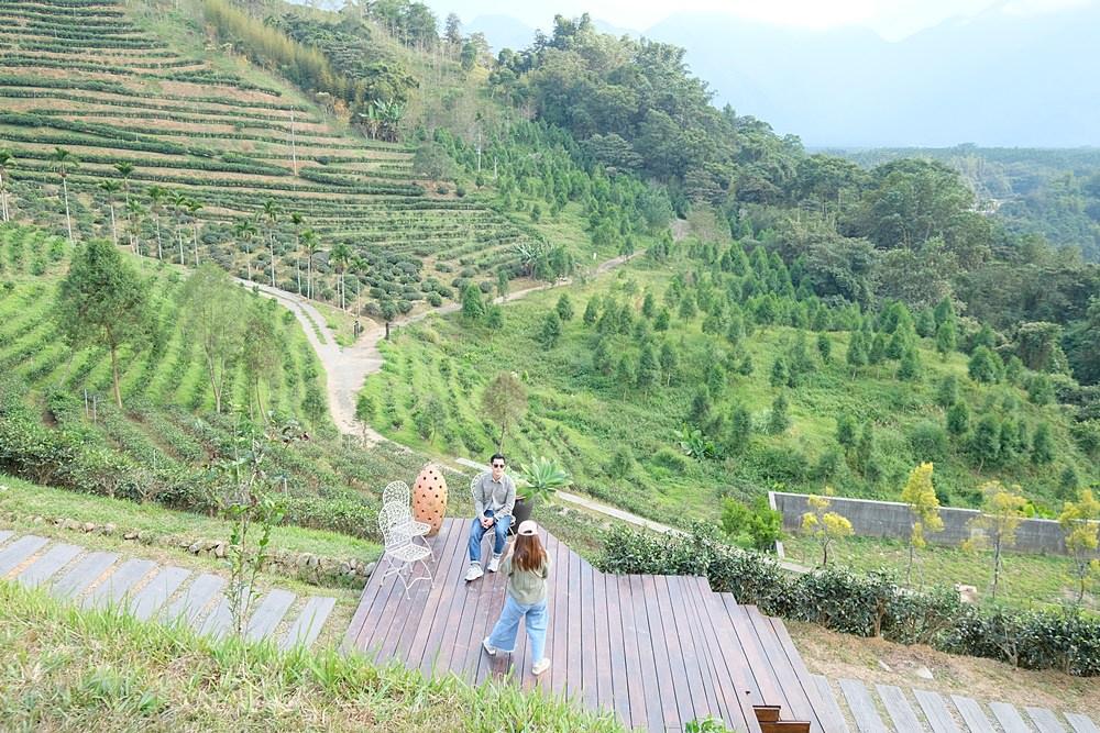 鹿篙咖啡莊園︳南投魚池秘境咖啡館,俯瞰茶園景緻品茶飲咖啡,爆紅南投下午茶!