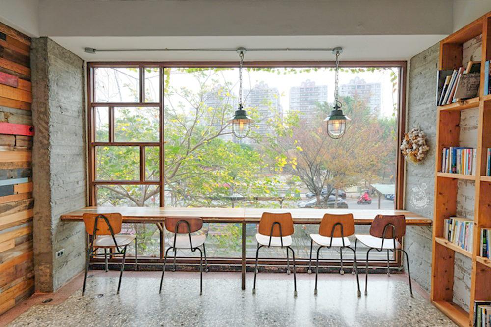 右舍咖啡︳最美的員林咖啡館!員林人常報到的森林系老宅咖啡廳(附右舍咖啡菜單)