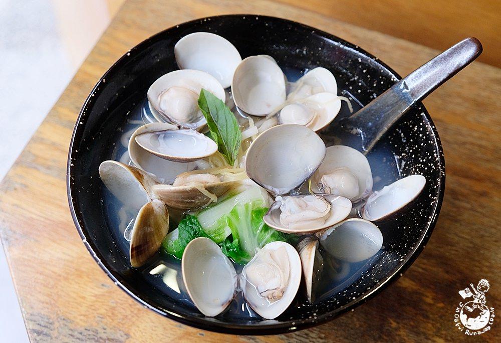 縫七針牛肉麵︳昨日花卷旁的好吃麵攤,鮮蚌麵也很推薦(附縫七針菜單)