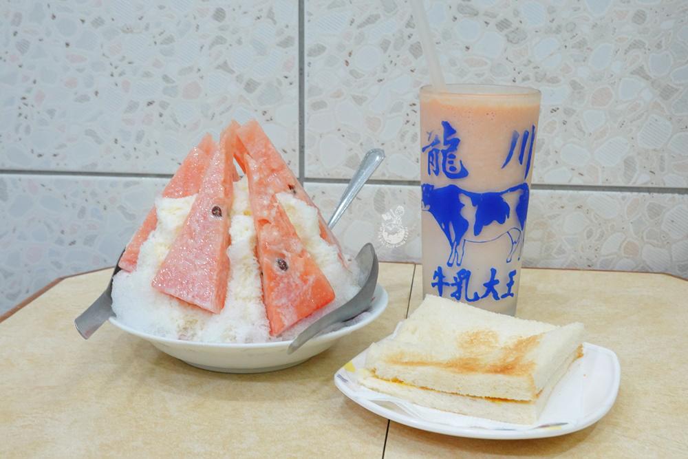 龍川冰菓室|60年老字號台中冰果室,招牌烤吐司無敵好吃