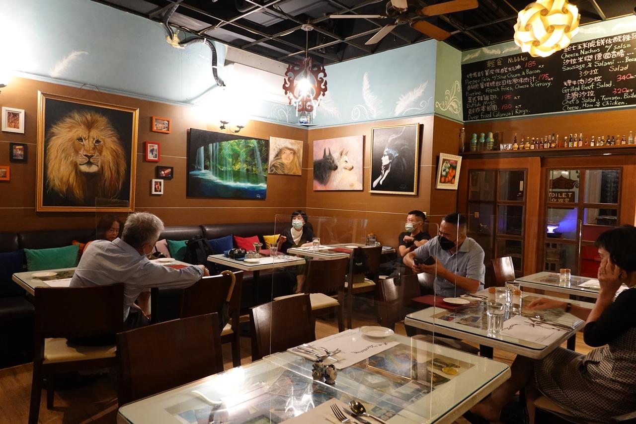 巧味爐歐法餐廳︱老饕都推薦的三十年台中餐酒館,辣味麵超好吃(附巧味爐菜單)