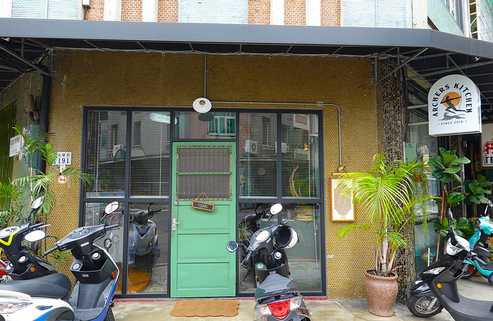 弓箭手︳嘉義火車站附近老屋咖啡廳,熱門IG嘉義打卡點