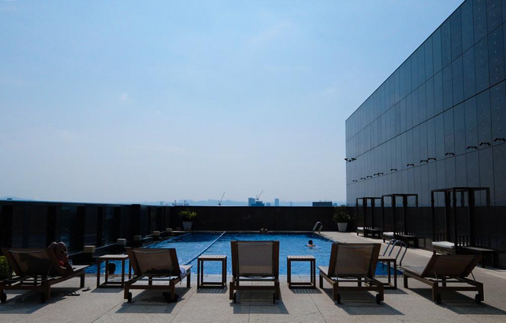 五星級泳池飯店