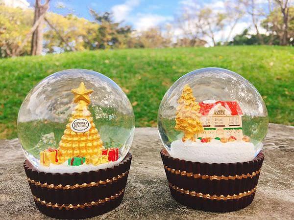 【蒐藏】金莎水晶球 // 7-11金莎巧克力不限金額即可喜獲限量金莎水晶球,共有兩款,適合送給女孩兒當聖誕禮物!