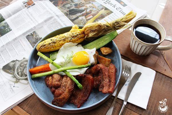 台中特色咖啡店︳SMILE COFFEE 憲賣咖啡熱河店 , 丹麥風格 中價位 早午餐 晚餐 咖啡 可外帶 有插座